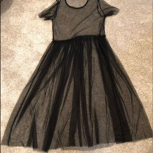 Dresses & Skirts - Black tulle midi dress